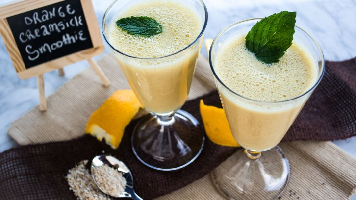Orange Vanilla Creamsicle Smoothie with Mint