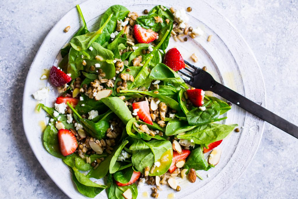 Strawberry and Spinach Salad with Spelt, Lentils and Brown Rice